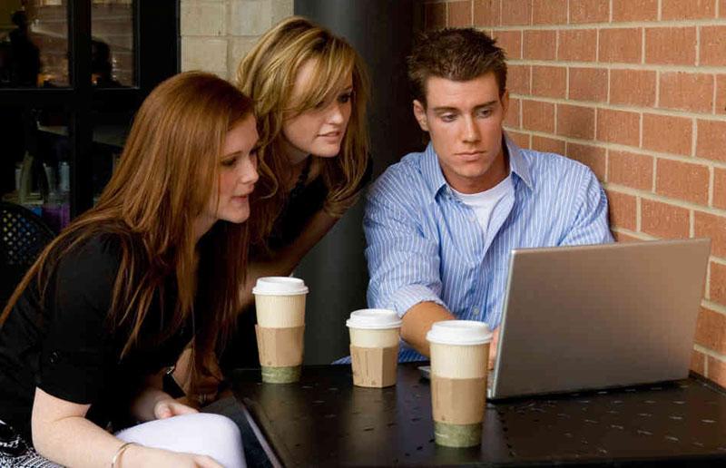 Millennials-caff%C3%A8.jpg