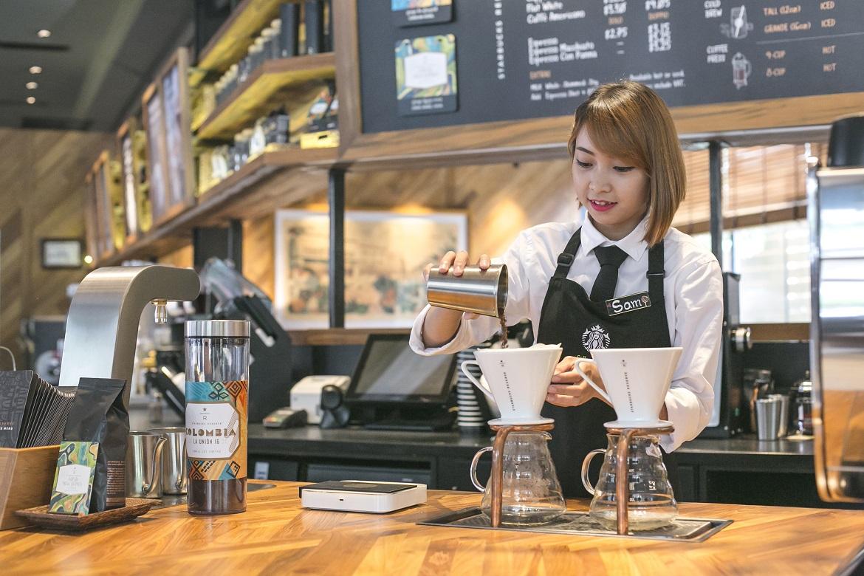 Starbucks Opens Flagship Store In Cambodia Comunicaffe