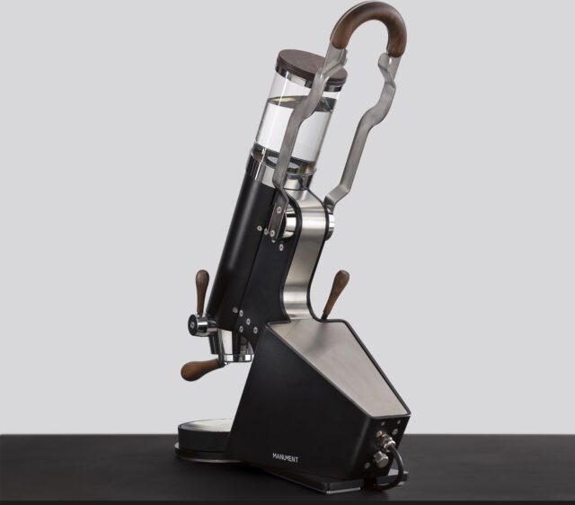 Manument Leva Machine